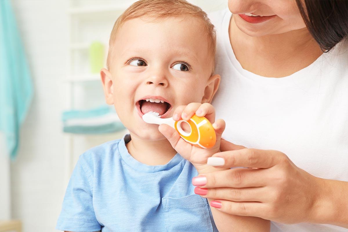 ¿Cómo se cuida la higiene oral del bebé?